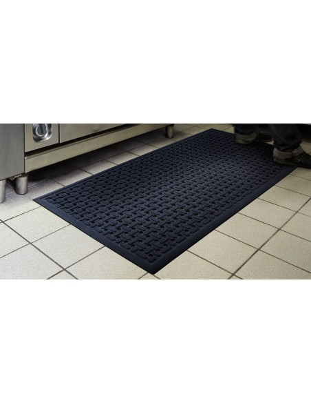 Self-Draining Nitrile Rubber Mat, 8mm thick